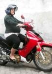 cewek_naik_motor